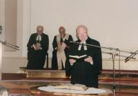 Minister Dus: service to dispatch the first non-Catholic chaplain, Prague 1998