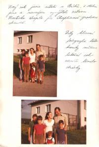 Rodinná fotografie z Částrova kolem roku 1983-84. Ukázka z rodinné kroniky Chronica Roubalorum, kterou psal Pavel Roubal