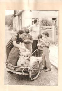 Rodinná fotografie, Částrov, začátek 80. let