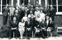 Riesel Petr - horní řada pátý zleva, Holandsko, komice expertů WHO, experti přes alkoholismus, spodní řada vpravo Tamara Rieselová a doc. Skála, 1966 nebo 1967,