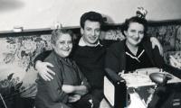 Riesel Petr - s maminkou Irenou, 50. léta