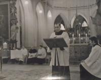 02 - A church service in Kutna Hora, Sedlec in 1970