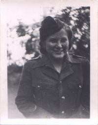 Věra Holuběva