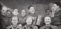 Vanda Binevska down in the middle, 1943, singers