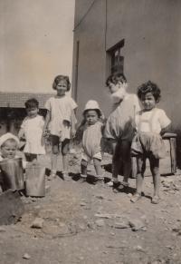 1929, children house in Izrale in kibuc