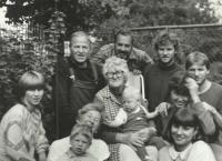 1986; with his family at the Šimečkas' cottage