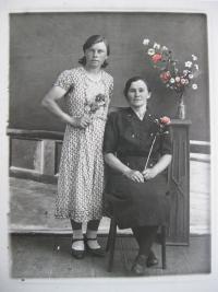 Libuše with mother Naďa Čížková
