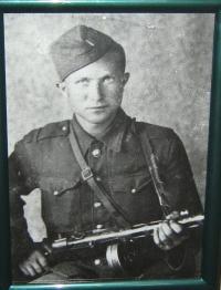 husband-Adam Esterkés -1944