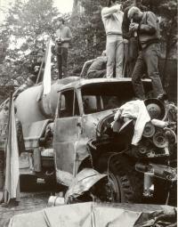 1968, srpen, na barikádě před Rozhlasem