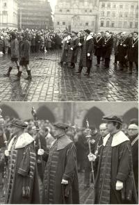 1969, leden, tryzna za Jana Palacha, smuteční průvod na Staroměstském náměstí
