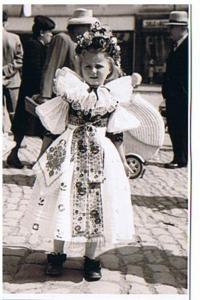 Věra Pytlíčková in her childhood