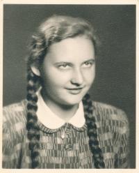 Ingeborg Cäsarová  (1951)