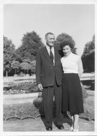 Aunt and uncle Engelbert from Svitavy, Erika stayed with them during the war