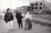 In a Roma settlement in Levoča, 1978 (L. Goral to the right)