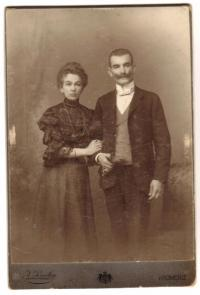 Parents in 1906