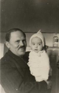 S dědečkem Tůmou 10.1.1943