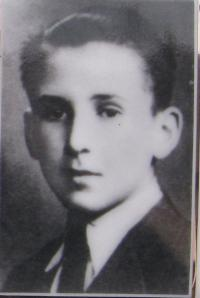 Otto Wolf, a Jewish boy whose family was hiding at the Ohera's house - killed in the Zákřov masssacre at the age of 18
