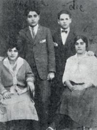 Pre-war family photo (parents of Emilie Machálková Rosína and Antonín on the left)
