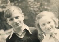 10 - brother and sister /Lubomír Charvát and Blanka Charvátová – Císařovská/