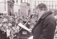 Rudolf Bereza speaking at a demonstration of HSD-SMS for the renewal of Moravian administration in 1991 in Olomouc