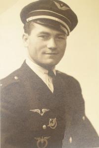 Ivan Schwarz in the RAF