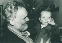 S vnučkou Julií v roce 1982