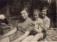 Na skautském táboře ve Mšeci v roce 1938