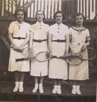In the Scout in Velký Újezd - Hanka Hiemerová, Marie Bednaříková, Cilka Bednaříková, Líba Galásková