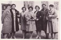 Visiting Svatobořice after the war, Libuše Hiemerová third from the left, her sister Drahomíra third from the right