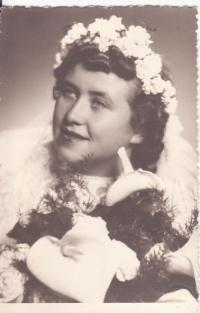 Wedding photography of her sister Božena