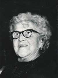 Matka (rozená Winternitzová)