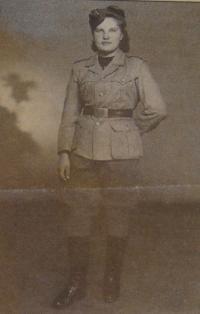 Naděžda Brůhová, 1945