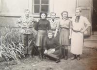 Naděžda Brůhová (kneeling), 1945