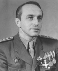 General Selner in uniform
