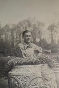 Alexander Burger, Cholmondeley Park 1940