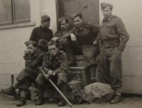 Alexander Burger, the second from right in Marton Paddox in 1941