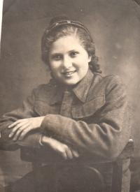 Věra Biněvská 13 years old