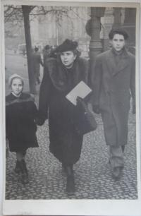 Mrs. Jarmila Dvořáková with her mother and brother