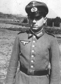 Karl Hrdlicka mladší (nar. 1927), bratranec paní Borecké
