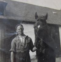 Hugo Drásal at the Vejchodů Farm