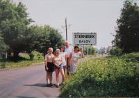 Hugo Drásal with Germans descended from Dalov
