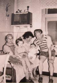 Hugo Drásal with family