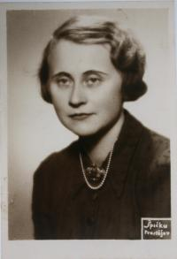 her mother Käthe Steiner Stecklmacher