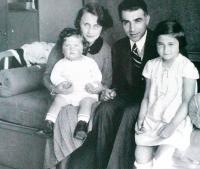 Sister Karmela, parents Kateřina and Bedřich, Maud Stecklmacherová, Prostějov