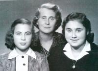 After war: sister Karmela, mother Kateřina, Maud, cca. 1946