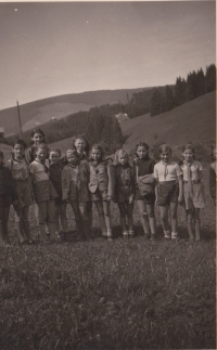 Helena Illnerová with scout troop in 1940s