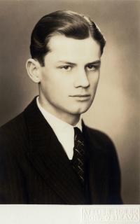 Portrétní fotografie (asi maturitní)