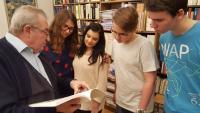 Vilém Prečan and the students from the Elementary school Červený vrch, project Stories of our neighbours