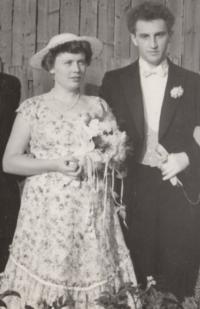 1957; his wedding