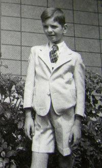 Milan Uhde, Brno, 1947